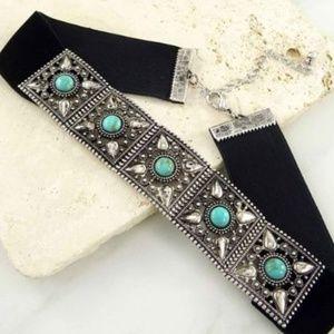 Jewelry - BOHO Velvet Filigree Choker